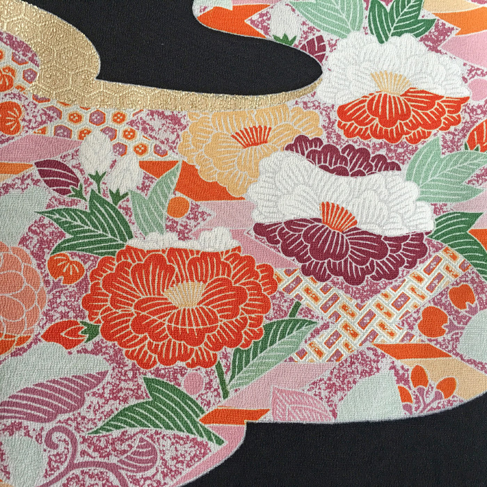 272-92 Kuro-tomesode